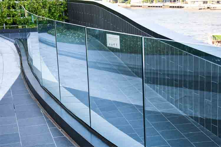 What is the Maximum Length of Glass for Frameless Glass Railing