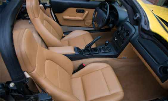 Why-do-leather-car-seats-crack