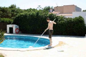 The Best Way to Keep Your Pool Clean